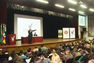 Conferência do Ex-Ministro do STF Dr. Nelson Jobin no Evento 25 Anos de Constituição.
