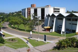 O campus da Unisinos é um lugar para conhecer novas pessoas e trocar ideias e projetos.