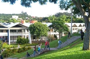 Na Unisinos,  natureza, ciência e tecnologia coexistem de maneira harmônica em um campus com mais de 90 hectares.