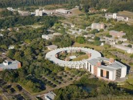 O campus da Unisinos São Leopoldo envolve 90 hectares, composto por arroios, lagos e áreas verdes