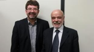 Coordenador Executivo do PPGDireito, Prof. Leonel Severo  Rocha, com o Prof. Darío Rodriguez. durante a realização do Seminário de Teoria do Direito, em setembro de 2014.