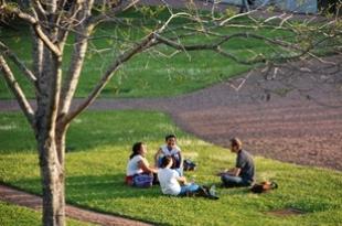 A Universidade já diplomou cerca de 72 mil estudantes, oferecendo a seus alunos um ambiente de ensino, pesquisa e inovação.
