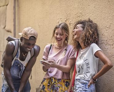 Pesquisa mostra quem são os brasileiros da Geração Z que estão chegando às universidades