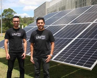 Valencia instala painéis de energia solar e Unitec avança em sustentabilidade