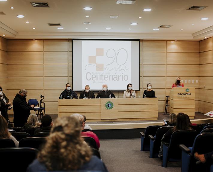 Imagem para a notícia Estudantes de Medicina recebem o jaleco e iniciam internato no Centenário